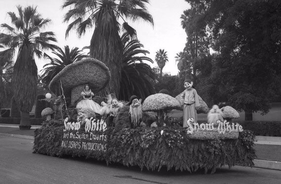 Snow White and the Seven Dwarfs Rose Bowl Parade Float - 1938